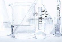 Wybieramy sprzęt do badań – czym cechują się dobre naczynia laboratoryjne?