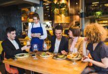 Jak zorganizować wycieczkę dla grupy turystów pod względem kulinarnym?